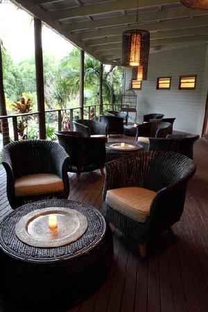 Paradise One Retreat.: Restaurant Balcony