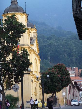 Barrio La Candelaria: Views of mountains surrounding this neighborhood.