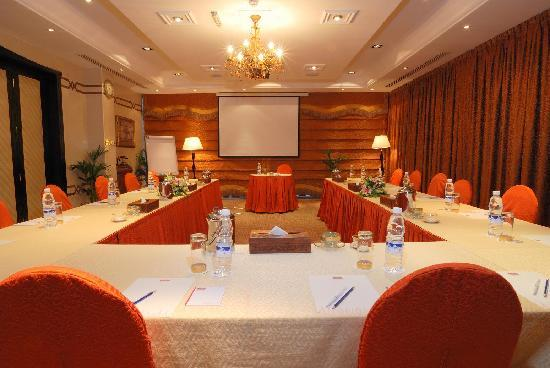 Al Jawhara Gardens Hotel: Meeting Room