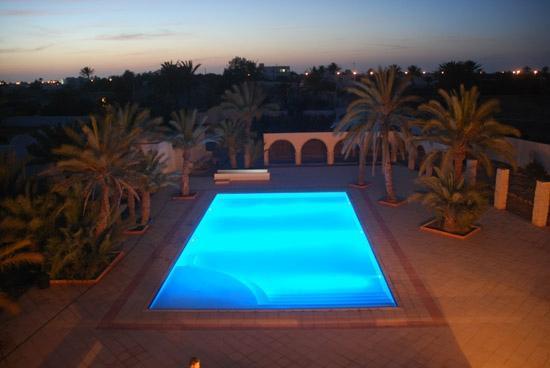 Fertile Mezraya-Djerba: piscine
