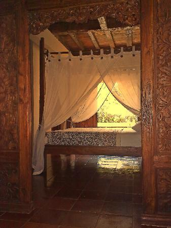 "Lovina Beach Houses: Ground Floor Bedroom bedroom ""Starfish"""