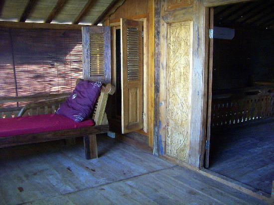 "Lovina Beach Houses: Daybed, Upstairs Front Verandah ""Starwish"""