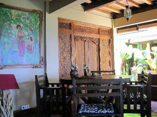 "Lovina Beach Houses: Dining Area ""Starfish"""
