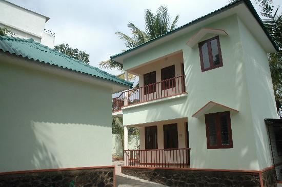 Private cottages: 3