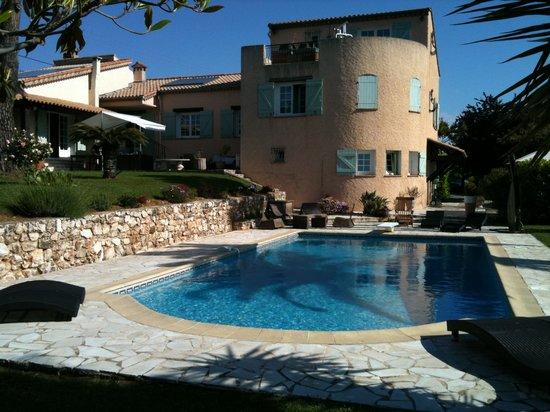 Villa Antoline: piscine maison