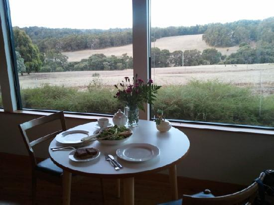 Hilltop Studios Margaret River: Dinner for two in the studio
