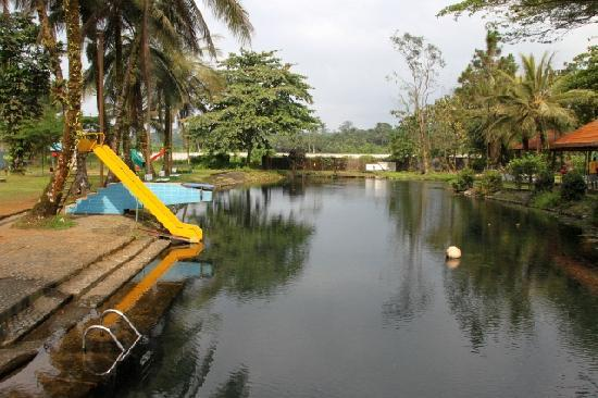 Hotel Seme Beach : Fresh (cold and clean) spring water pool