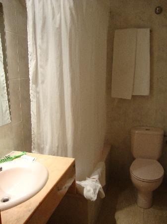 Hotel Cortes: bagno