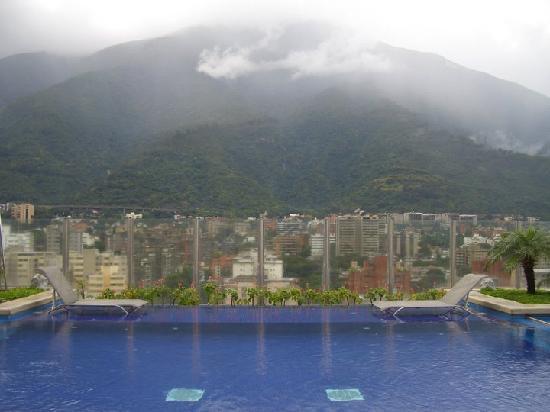 Pestana Caracas Premiun City & Conference Hotel: Increible vista desde el lounge de la terraza