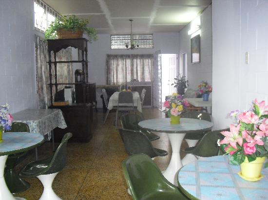 The Little Inn: Dining area 2