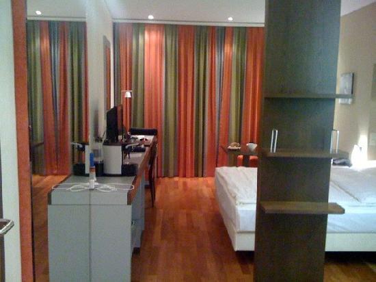 Radisson Blu Hotel, St. Gallen: room 718