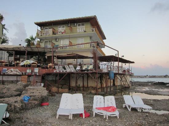 Yali Hotel: sunchairs
