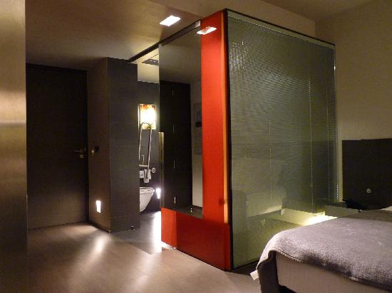 Room With Glass Bathroom Divider Picture Of Hotel Soho