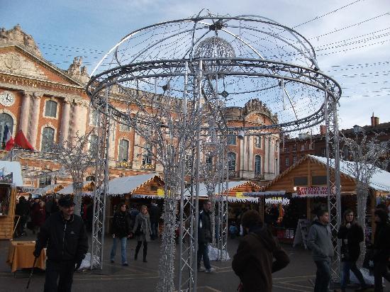 Place du Capitole : marché de Noël toulouse