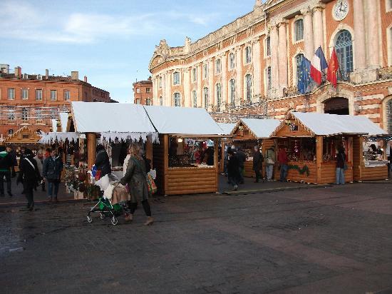 Place du Capitole: marché de Noël toulouse