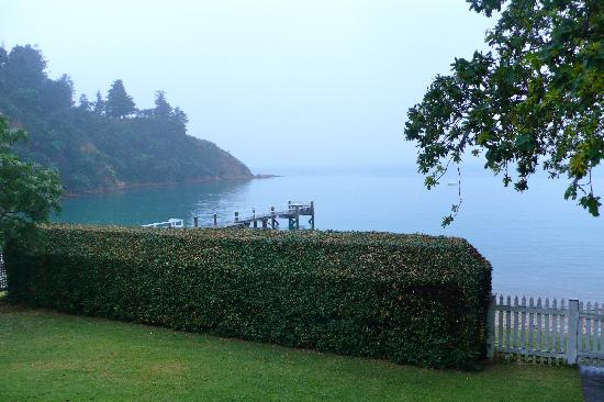 Connells Bay Guest Cottage: The view from the verandah