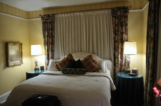 Austin's Inn at Pearl Street: european room