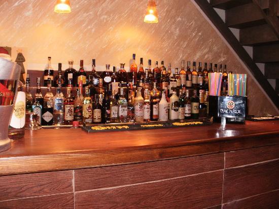 L'Apostrofo Wine and Cocktail Bar : il banco bar
