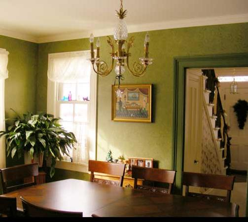 The Pineapple House Bed & Breakfast: Dining Room