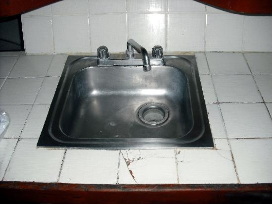 Hotel Villas Playa Samara Broken tile around kitchen sink & Broken tile around kitchen sink - Picture of Hotel Villas Playa ...