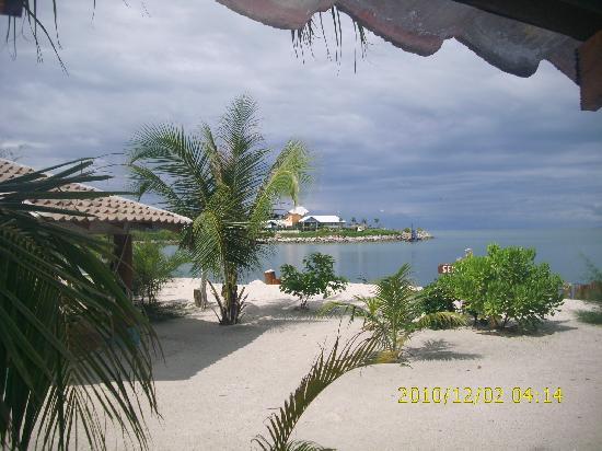 Senari Bay Resort: Sea view from chalet