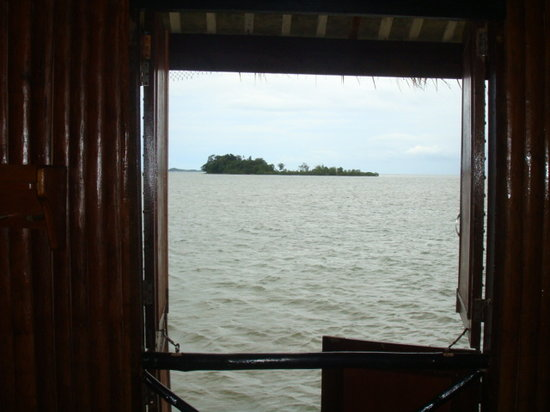 Loola Adventure Resort: Window view from the Hut