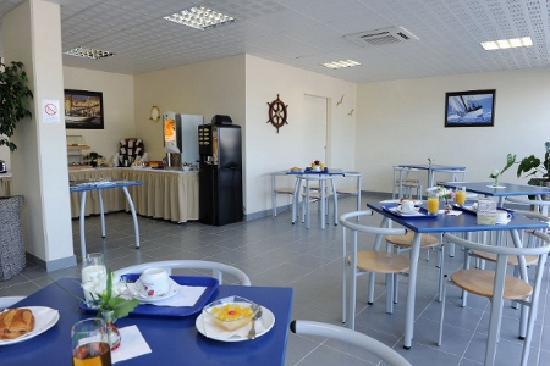 Appart'City Nîmes : Salle petit déjeuner