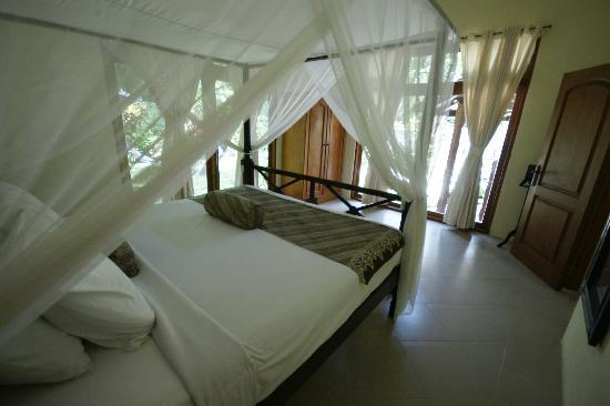 Villa Coco: One of the classic Bali style bedrooms