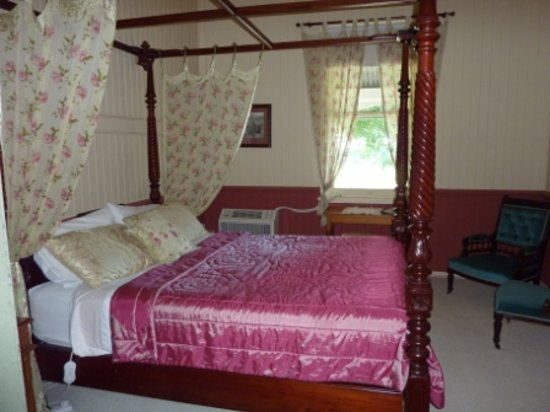 Wiss House Bed and Breakfast: Another bedroom