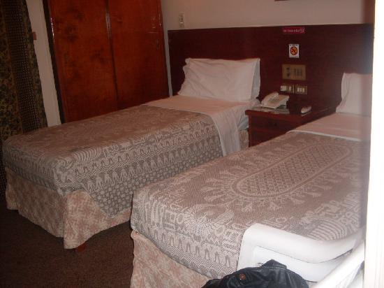 Saint Joseph Hotel: room