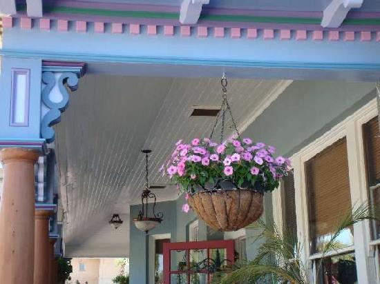 The Big Blue House Tucson Boutique inn: Restored to original Queen Ann splendor