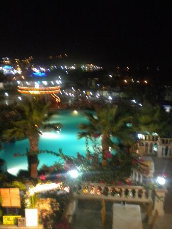 Palm Garden Hotel: vue de notre chambre de nuit