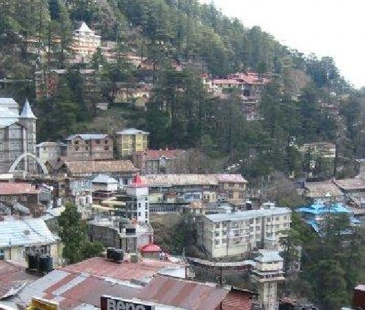 Prini, Indien: The hill top view