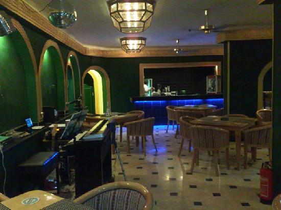 Regal Lounge Bar: Lounge