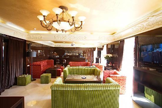 Maxim Pasha Hotel: Bar