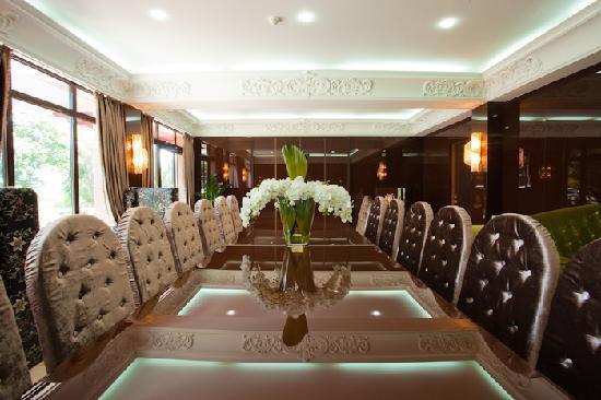 Maxim Pasha Hotel: Business Center