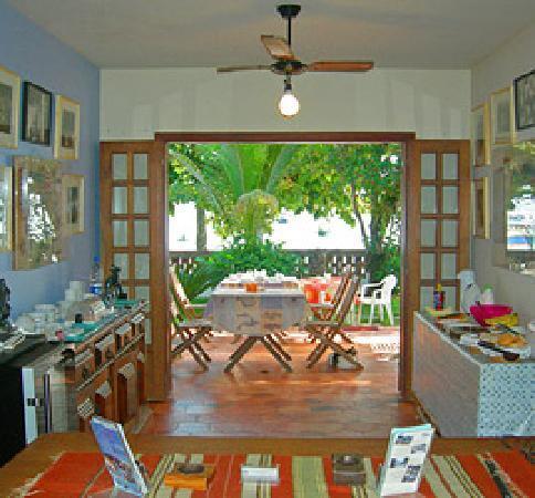 Pousada Manaca Inn: Breakfast buffet