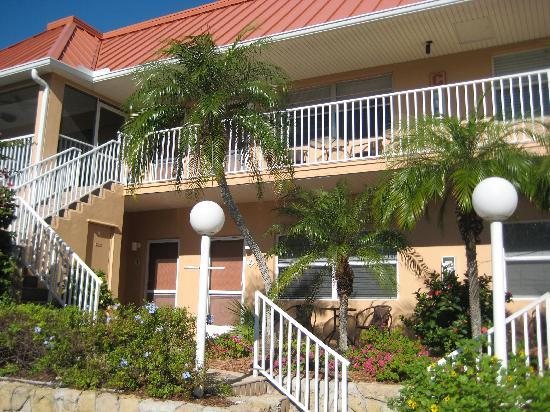 Sanibel Arms Condominiums: Building C