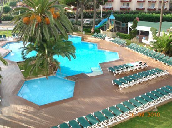 Ses Fotges: Pool view
