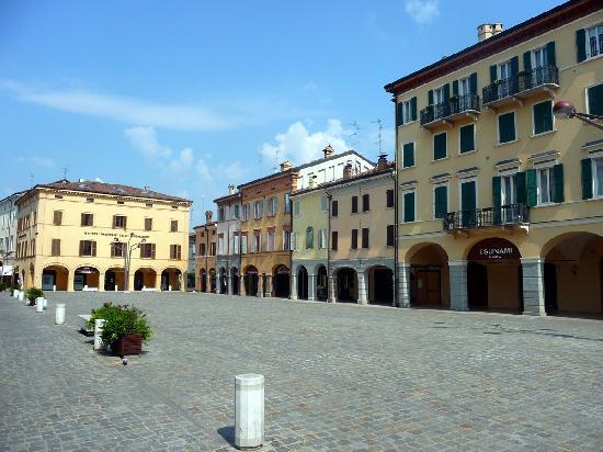 Carpi, Italien: Piazzale Garibaldi
