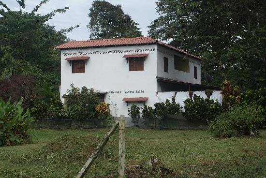 Casa Faya Lobi: Side View of the House