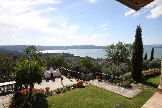 View lake Villa San Crispolto