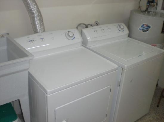 Central Tower: Full Size Washer/Dryer