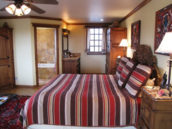 Blue Lake Ranch: La Plata Vista Room