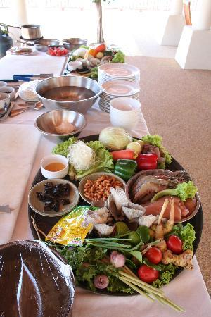Andaman Princess Resort & Spa: Ingredients for the cooking class