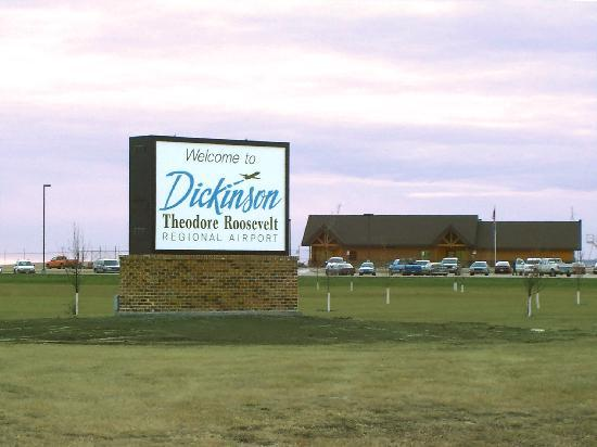 Dickinson, ND: Theodore Roosevelt Regional Airport