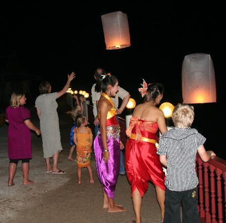 Andaman Princess Resort & Spa: Beautiful thai lanterns at our private party