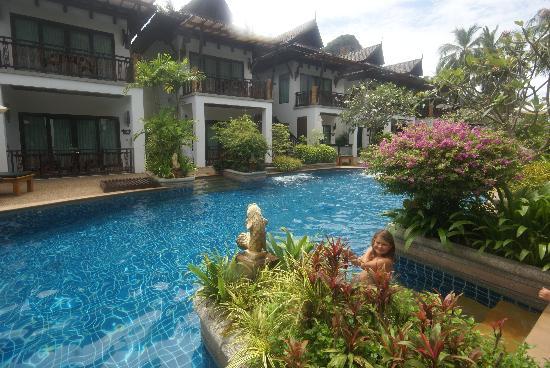 Railay Village Resort: piscine