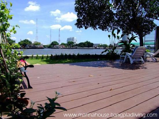 Marina House Bangplad: Our Riverside Terrace