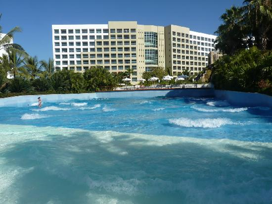The Grand Mayan Nuevo Vallarta : One of two wave pools